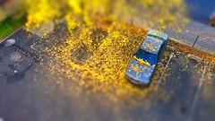 Automne (srouve78) Tags: car automne voiture feuilles tiltshift colorisyellow
