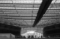 Canopée - Paris Les Halles (flebr1) Tags: apx100 agfa d7611 kodak été2016 olympus om2n
