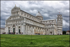 Piazza Dei Miracoli (MarioVolpi) Tags: italia italy iglesia hdr canon60d clouds cielo cloudy cupulas toscana torre tower pisa