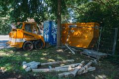 lavatory. (angsthase.) Tags: tree green fence germany deutschland construction cityscape shadows toilet container nrw grn zaun schatten ruhrgebiet baum dortmund excavator ruhrpott 2015 mft micro43 olympusm918mmf4056 epl5 olympuspenepl5