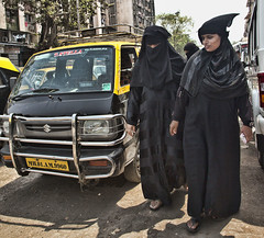 HL8A1815 (deepchi1) Tags: india muslim hijab bombay mumbai niqab