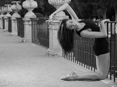 when the soul plays 13 (paxt) Tags: bw blancoynegro beauty mujer model funny slim top olympus teen gymnastics segovia soul pax moya brunette patricia aro aranjuez gimnasia rhythmic ritmica strobist paxt