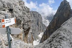 Widok z przełączki Forc. di Stephen w kierunku przełęczy Passo Ball