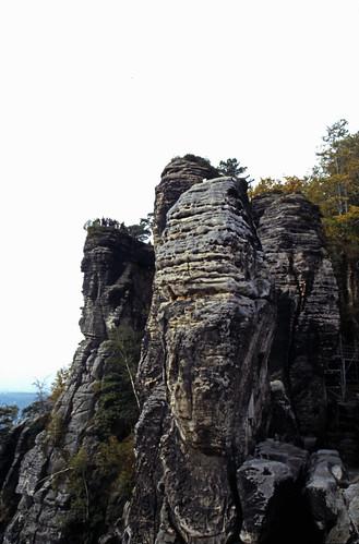 "Elbsandsteingebirge (020) Basteifelsen • <a style=""font-size:0.8em;"" href=""http://www.flickr.com/photos/69570948@N04/21892539135/"" target=""_blank"">View on Flickr</a>"