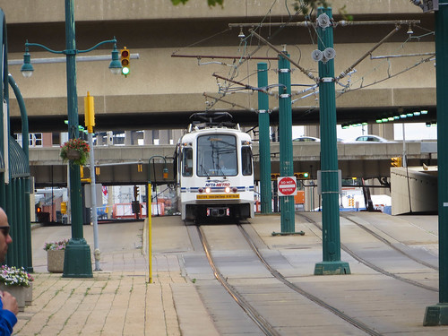 20150827 55 NFTA Light Rail near Seneca