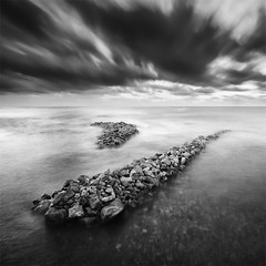 Y (DavidFrutos) Tags: longexposure sea costa naturaleza seascape beach nature water rock clouds sunrise landscape coast mar agua rocks waves fineart wave playa paisaje alicante amanecer filter le lee nubes nd canondslr olas roca rocas ola 1x1 waterscape filtro largaexposición filtros gnd neutraldensity canon1740mm graduatedneutraldensity densidadneutra davidfrutos 5dmarkii niksilverefexpro2 hitechreversegnd06 hitechnd64