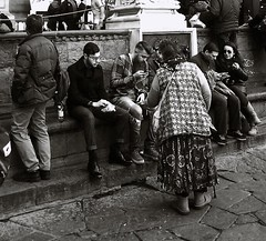 People in florence (archidream) Tags: people blackandwhite florence blackwhite firenze uffizzi palazzovecchio piazzasignoria blackwithe blancoenegro samsungtab samsungnote3 archidream