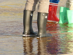 Beach (willi2qwert) Tags: beach water girl strand women wasser wellies watt rubberboots gummistiefel wellingtons gumboots rainboots regenstiefel