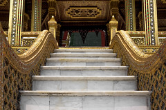 2016_04-Bangkok-M00138 (trailbeyond) Tags: architecture asia bangkok building gold location marble outdoors pattern religiousbuilding staircase stairs temple templeoftheemeraldbuddha texture thailand thegrandpalace watphrakaew white