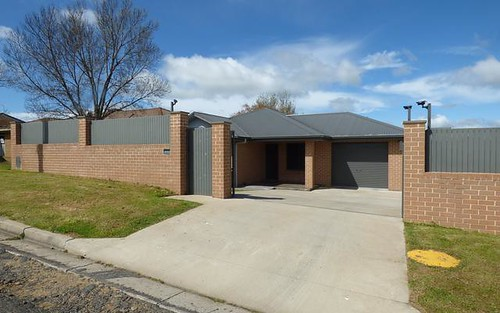 64 Orchard Street, Young NSW 2594