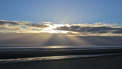 7071 v1 Sunbeams over Romney Sands (Andy - Busyyyyyyyyy) Tags: 20170114 bbb beach blueskies ccc clouds kent romneysands sss sunbeams