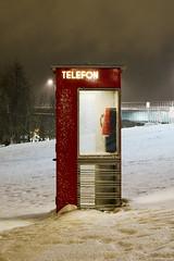 Polar Telephone (Poet Mir) Tags: telefon telefono telephone polar circle lonely plantet noruega norge nieve snow red rojo santa claus polo norte europa viaje viajar travel comunicación cabina tromso tromsdale viking north norsk norway