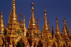 Yangon - pagode Shwedagon 8 (luco*) Tags: myanmar birmanie burma yangon rangoon shwedagon pagode pagoda flickraward flickraward5 flickrawardgallery