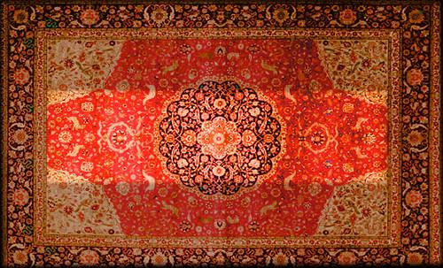 """Alfombras, espacios íntimos que simbolizan templos, árboles de la vida y el conocimiento, astros y paradisos. • <a style=""""font-size:0.8em;"""" href=""""http://www.flickr.com/photos/30735181@N00/32487287951/"""" target=""""_blank"""">View on Flickr</a>"""