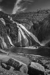 (1/12: Ansel Adams) Waterfall (ponzoñosa) Tags: ansel bn bw blancoynegro blancetnoir adams waterfall ezaro costa morte death xallas ría cascada río river