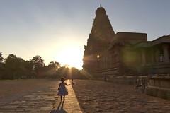 Brihadeeswara Temple (Jean Coquet) Tags: sunset temple india girl contrast silhouette hindu sun thanjavur tamil bright child tamu tamul kids light sunlight trip theindiatree