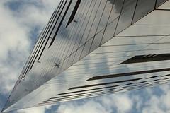Spaceship (mennomenno.) Tags: architectuur architecture rotterdamzuid wolken clouds reflections reflecties lijnen lines