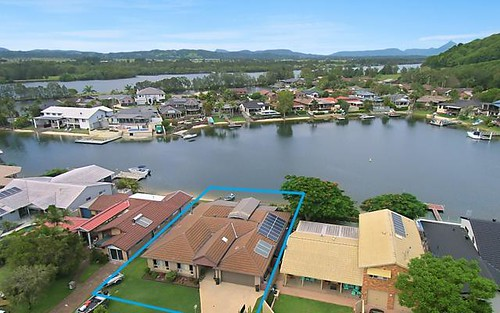 8 Captains Way, Banora Point NSW