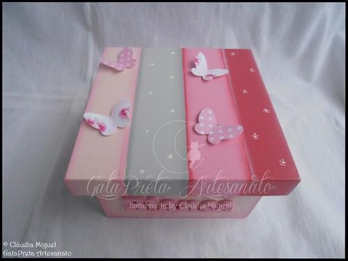 """Caixa de recordações de bebé """"Baby Butterflies""""."""