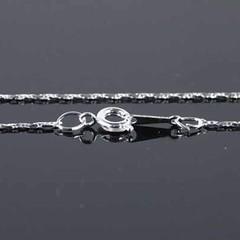 สร้อยคอแฟชั่น เส้นเล็กทำด้วยเงินแท้925สวยหรู นำเข้า สีเงิน Silver Necklace - พร้อมส่งW509 ราคา350บาท สร้อยคอสีเงิน เรียบหรูแบบสไตล์ชิคๆแต่ดูดี จับสร้อยคอแฟชั่นเส้นเล็กเงินแท้925มาแมทช์กับเสื้อเชิ้ตหรือชุดสไตล์วินเทจเก๋ และแน่นอนหากจะไปงานแต่งงานหรือไปทำงา