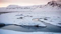 Og hér ert þú... (OR_U) Tags: 2017 oru iceland snæfellsnes ice glósóli sigurros 169 widescreen river sunset mountain snow winter landscape street fence colourfilter bicolour