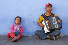 Busking Family, Oaxaca (Geraint Rowland Photography) Tags: musicians accordion begging thirdworld poverty poor colourful oaxaca oaxacacity latinamerica people streetphotography geraintrowlandphotography travelinmexico hardship life canon