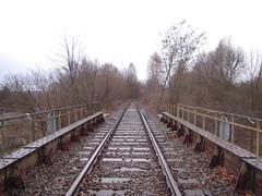 DSCN5429 (TajemniczaIstota761) Tags: industrial railway embankment przemysł zmpw nasyp bocznica siding viaduct wiadukt bridge