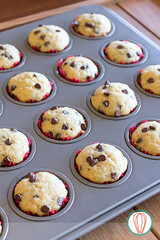 LunchBox Mini Banana Muffins (twofoodies) Tags: banana muffins minimuffins chocolate lunchbox kids lonchera niños bananos