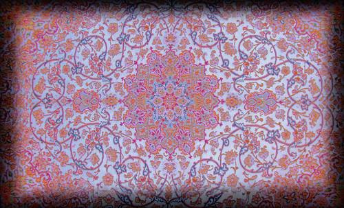 """Alfombras, espacios íntimos que simbolizan templos, árboles de la vida y el conocimiento, astros y paradisos. • <a style=""""font-size:0.8em;"""" href=""""http://www.flickr.com/photos/30735181@N00/32230852460/"""" target=""""_blank"""">View on Flickr</a>"""