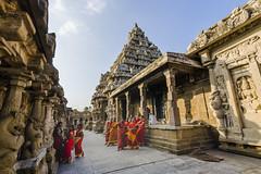 Look UP to the God! (Mali) Tags: kancheepuram kanchipuram chennai monument malishots lingeswaran people red redcolor historical historic history ngc 121clicks 121 rootsofindia roi incredible incredibleindia india indiapictures indiatourism indiatemples hindu hinduism indiafestival