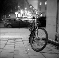 376_TMX_06 (rubbernglue) Tags: yashicaa stockholm sweden sverige 2017 cykel bicycle spokes bokeh dof 6x6 squareformat bw blackandwhite bwfp filmphotography filmexif analog longexposure