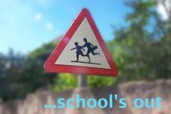 _4_ever (l--o-o--kin thru) Tags: school schule schoolsout schuleistvorbei