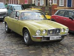 Jaguar XJ6 4.2 TPH449M (Andrew 2.8i) Tags: queen queens square bristol breakfast club classic classics car cars show meet avenue drivers all types transport youngtimer oldtimer jaguar xj6 xj 6 42 series 2 ii britsh leyland bl executive luxury saloon
