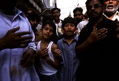 Matam-07 (Nicola Okin Frioli) Tags: pakistan lahore shiites sciiti shiit ceremony cerimonia ali hussain hussein blood knife sholders schiena sangue coltelli lame blade world culture matam flagellants flagellate flagellator scourger flagellatori flagellare flagello islam muslims islamic mussulmani islamico islamici nicola okin frioli wwwokinreportnet photo foto photography fotografia photojournalism photojourlalist fotogiornalista fotogiornalismo march marzo nicolaokinfrioli okinreport nicolafrioli asura ashura ashuraday