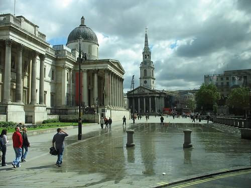 Trafalgar Square by nikoretro.