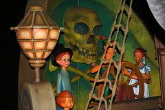 Peter Pan's Flight (House Of Secrets Incorporated) Tags: skulls skull peterpan disney hilde wendy fantasyland pirateship galley disneylandparis peterpansflight wendydarling johndarling michaeldarling