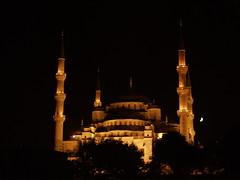 Sultan Ahmed Camii at night (rogiro) Tags: moon art freeassociation turkey muslim islam turkiye istanbul mosque crescent sultan ottoman cami ahmed turkije camii muslem sultanahmed