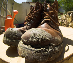 GARDENER'S BOOTS (peke_cheeks) Tags: mud boots lace algarve fourfavs