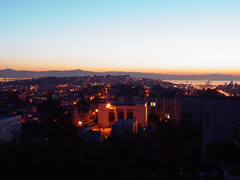 Sunrise on San Francisco (Franco Folini) Tags: sanfrancisco california sunrise photography dawn foto alba sony sanfranciscobay fotografia noevalley baia dscf707 albeggiare francofolini folini