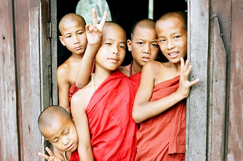 Nyaung Shwe novices