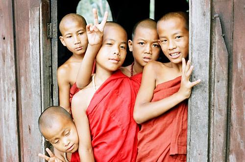 Nyaung Shwe novices