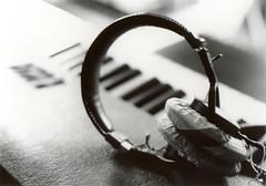 bw keyboard sony piano yamaha headphones