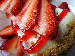 Strawberry Cheesecake (trp0) Tags: red fruit cheese crust dessert cream strawberries cheesecake delicious grahamcracker strawberrycheesecake grahamcrackercrust