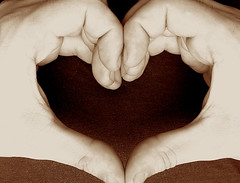 it takes TWO hands to make a heart! it takes TWO hearts to make love! (bitzi  ion-bogdan dumitrescu) Tags: two people love hands hand heart shaped human shape humans bitzi ibdp findgetty ibdpro wwwibdpro ionbogdandumitrescuphotography