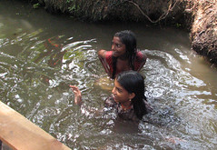 IMG 2023 e (Eric.Parker) Tags: 2005 india water girl river children boat canal women child kerala backwaters 50millionmissing