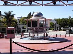 DSC01461.JPG (puck90) Tags: california fountain losangeles culvercity moviestudio puck90 culvercityca sonypicturesplaza sonypicturesstudio