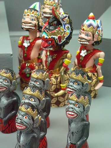 Chess set depicting the story of Ramayana Indonesia 1980 3