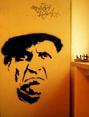 angry face (onesevenone) Tags: streetart art face yellow graffiti stencil gesicht hamburg gelb schablone hfbk onesevenone