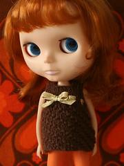 brownknitdress_04 (Helena / Funny Bunny) Tags: doll pebbles blythe olds bl funnybunny kozykape fbfashion