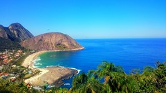 Itacoatiara (Dayane Marinho) Tags: beach praia sun sol verão sunny hot paradise paraíso mar sea blue azul nature natureza flora floresta tree green montain itacoatiara brasil brazil